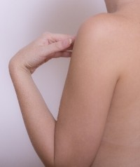 二の腕ブツブツに効果の改善クリームで一番人気は何?