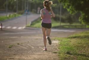 ジョギングとルームランナーの違いと選び方